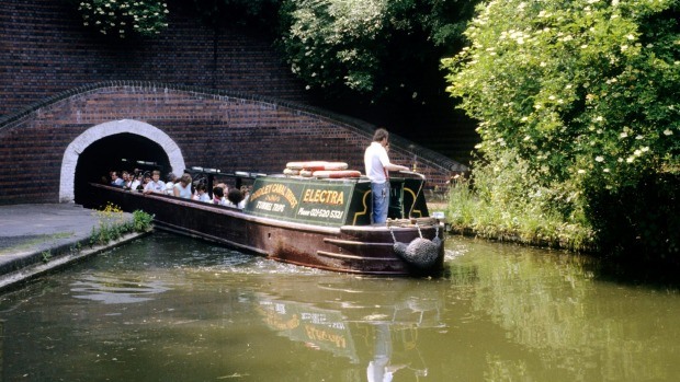 Dudley-Canal-Trust-Little-Beech-Inn-Entertainment