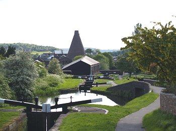 Stuart-Crystal-Stourbridge-Near-The-Little-Beech